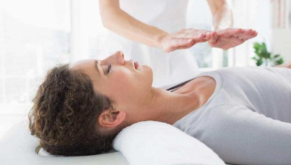 Holistička medicina Reiki